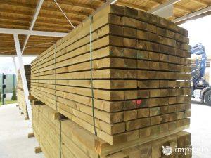 Импрегнирани греди 12 на 6 на 400 см.